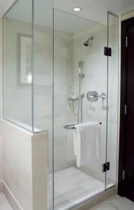 modern-glass-shower